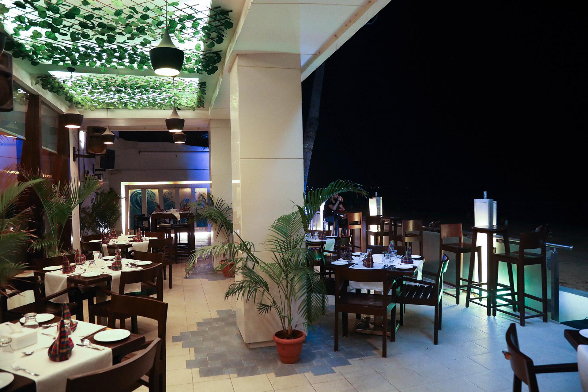 Etonnant Sea Side Patio U2013 Beach Facing Open Air Restaurant U0026 Bar U2013 Citizen Hotel  Mumbai