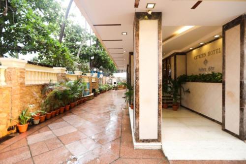 gallery entrance 1